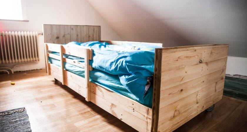 Amazing Pallet Bed Storage Instructions Into