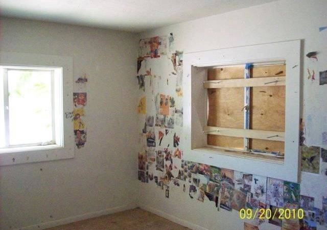Decoupage Disaster Ugly House Photos