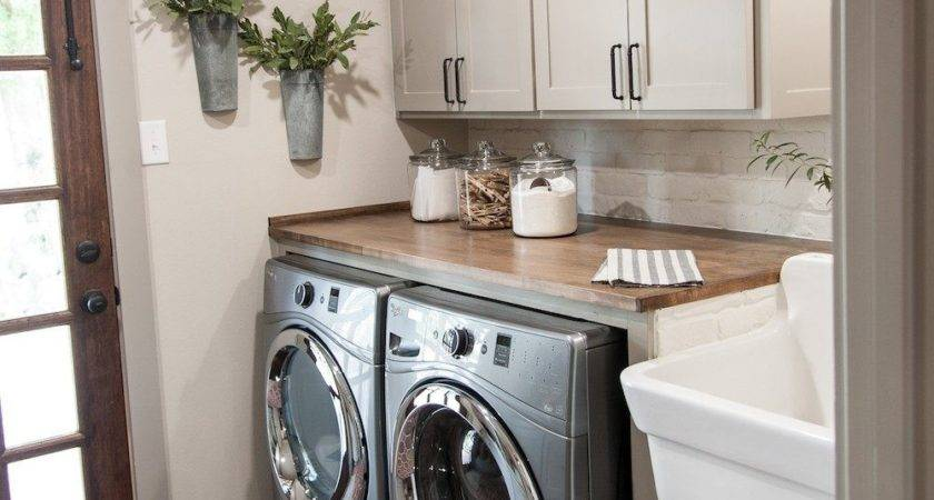 Elegant Rustic Laundry Room Sink Remodel Wall