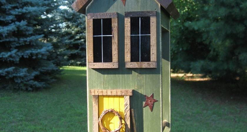 Folk Art Primitive Saltbox Bird Feeder Garden House