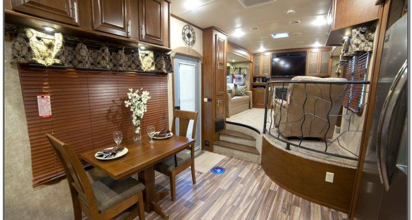 Front Living Room Fifth Wheel Campers Home