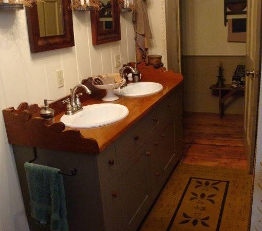 Olde Spoon River Homestead Primitive Bathroom