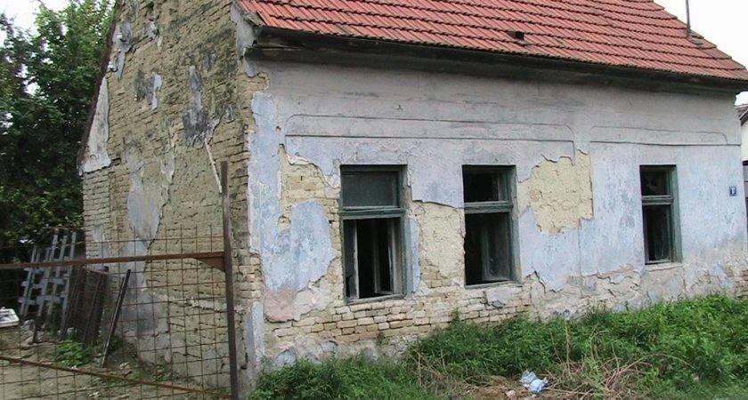 Panoramio Old Small House Novisad