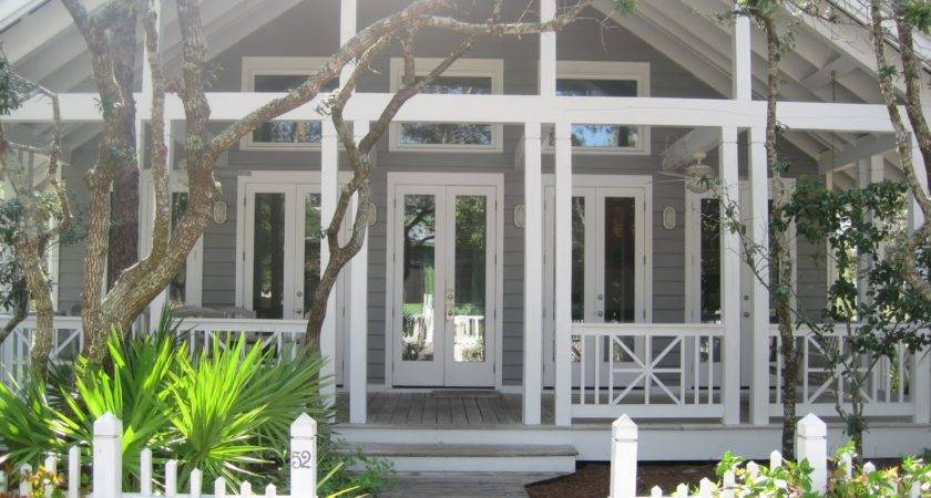 Pretty Old Houses Seaside Porch Inspiration