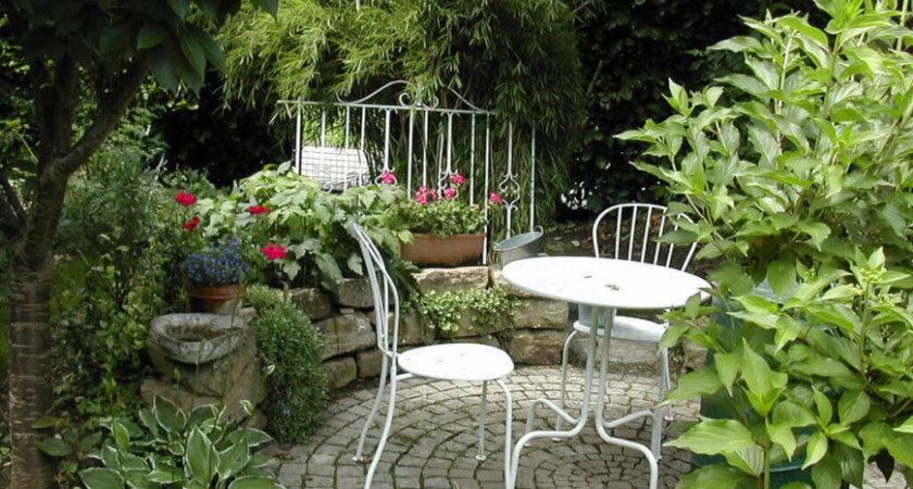 Pretty Small Garden Ideas