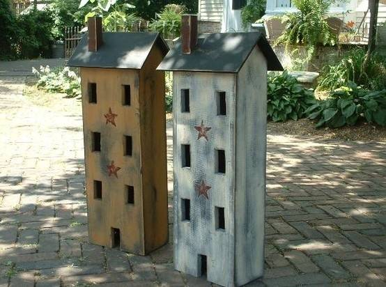 Primitive Salt Box House
