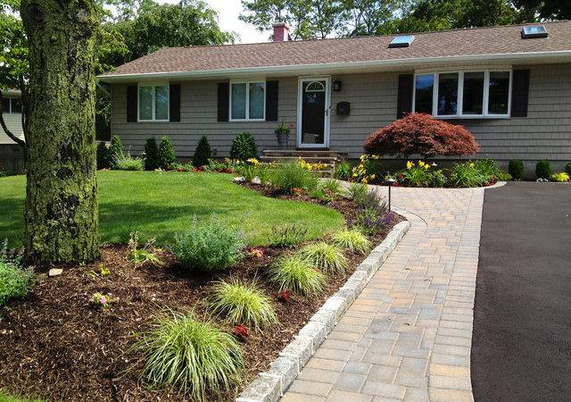 Ranch House Driveway Front Paving Installation