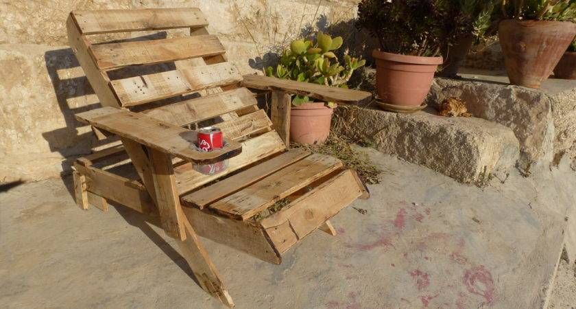 Recycle Pallet Into Armchair More