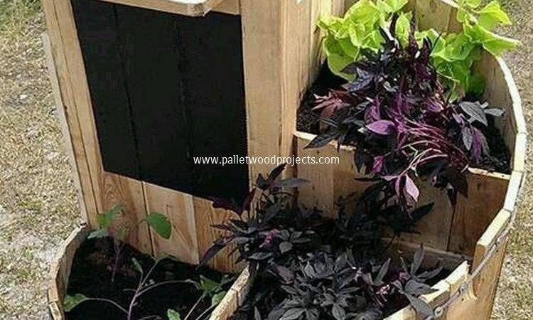 Recycled Pallet Wood Planters Projects