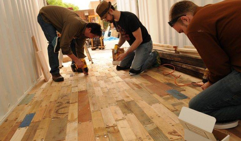 Recycling Pallets Make Wooden Floors Container
