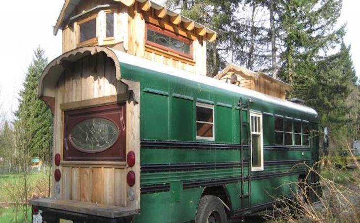 Square Foot Green Cedar Bus Made Woodworker