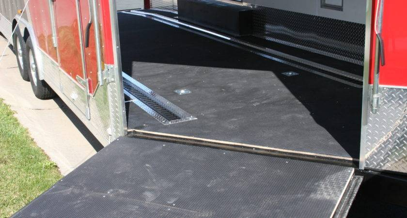 Touch Class Trailers Black Nudo Flooring Curbside