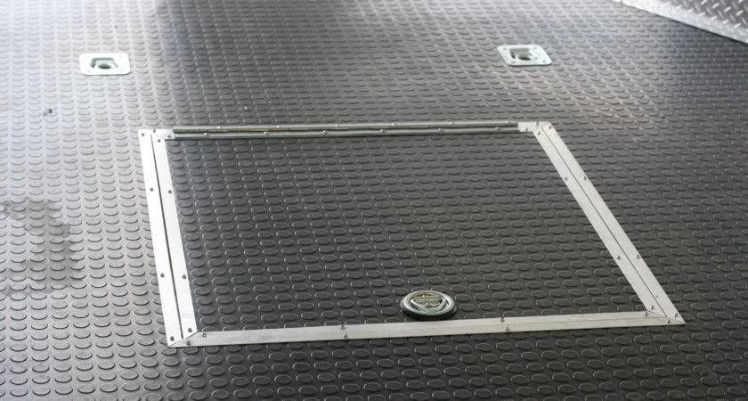 Touch Class Trailers Recessed Spare Tire Well Cover