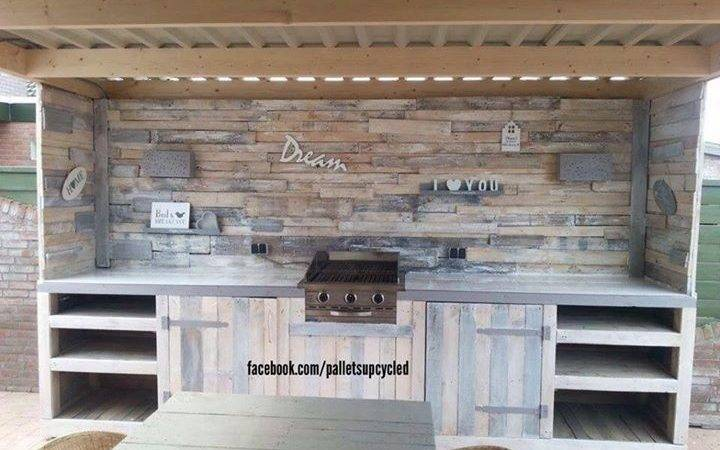 Upcycled Pallets Made Outdoor Kitchen Pallet Ideas