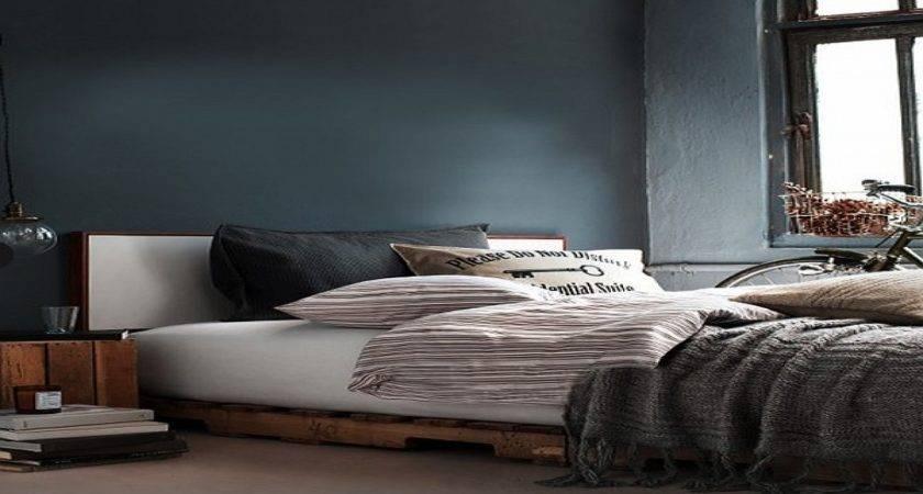 Vintage Rustic Bedroom Pallet Furniture