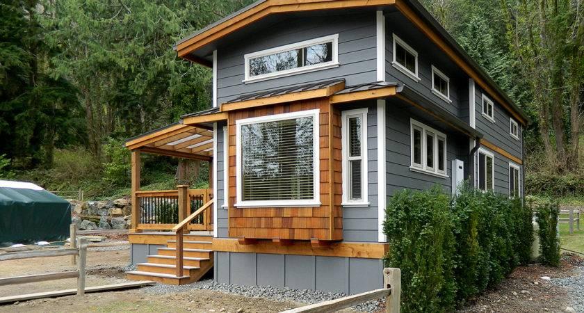Wildwood Lakefront Cottages Park Models West Coast Homes