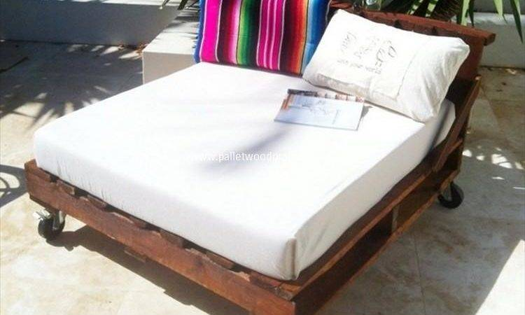 Wooden Pallet Daybed Ideas Wood Projects